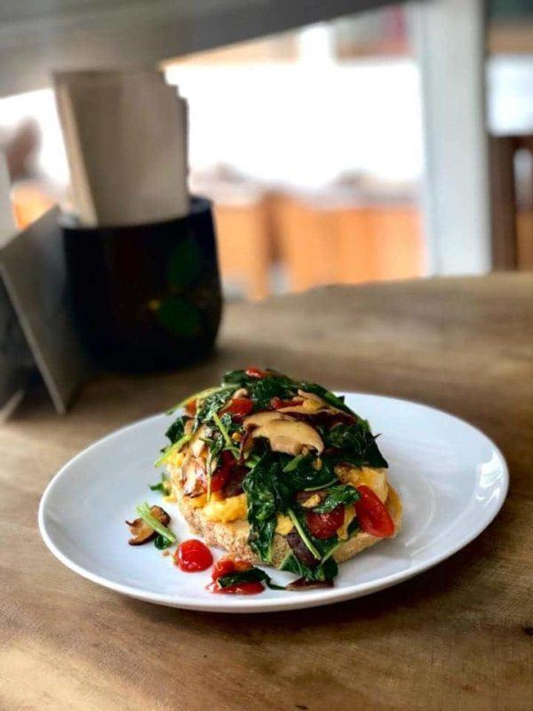 Open Breakfast Sándwich - Veggies - Landhaus bakery Bangkok