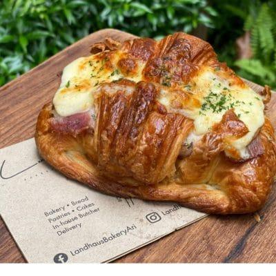 Croissant Kassler Egg Cheese